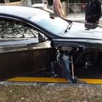 Aston Martin-alkalmazott zúzott le egy Rapide S-t – fotók