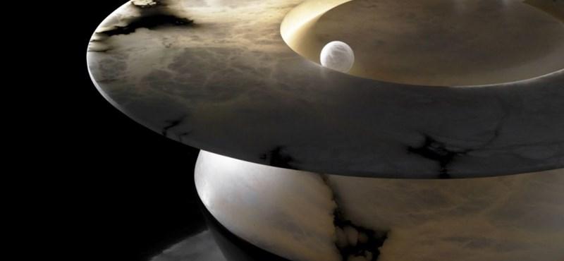 Végre valami: ilyen lett Kopernikusz dohányzóasztala