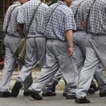 Felfüggesztik a börtönkártérítések kifizetését