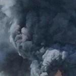 Óriási füstoszlop tört a magasba Düsseldorfban – videó