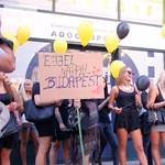 Videó: Tibi Atya tüntetői több rendőrt akarnak a bulinegyedbe