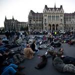 Másfél miliárdot tesz félre a kormány a Kossuth térre