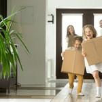 Nagycsaládos vagy fiatal lakásvásárló? Július 1-jétől kevésbé kell a zsebébe nyúlnia