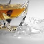 Japánok gyárthatják az egyik leghíresebb amerikai whiskey-t
