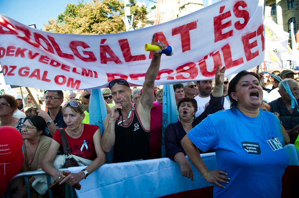 Szakszervezeti tüntetés a Kossuth téren D-Day