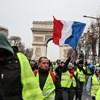 Könnygázt vetett be a rendőrség Párizsban