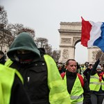 A szerényebben kereső munkavállalók kezet csókolhatnak a Párizst felforgató sárgamellényeseknek