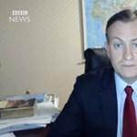 Megszólalt a BBC-szakértő, akinek a gyerekei összehozták a világhíres videót