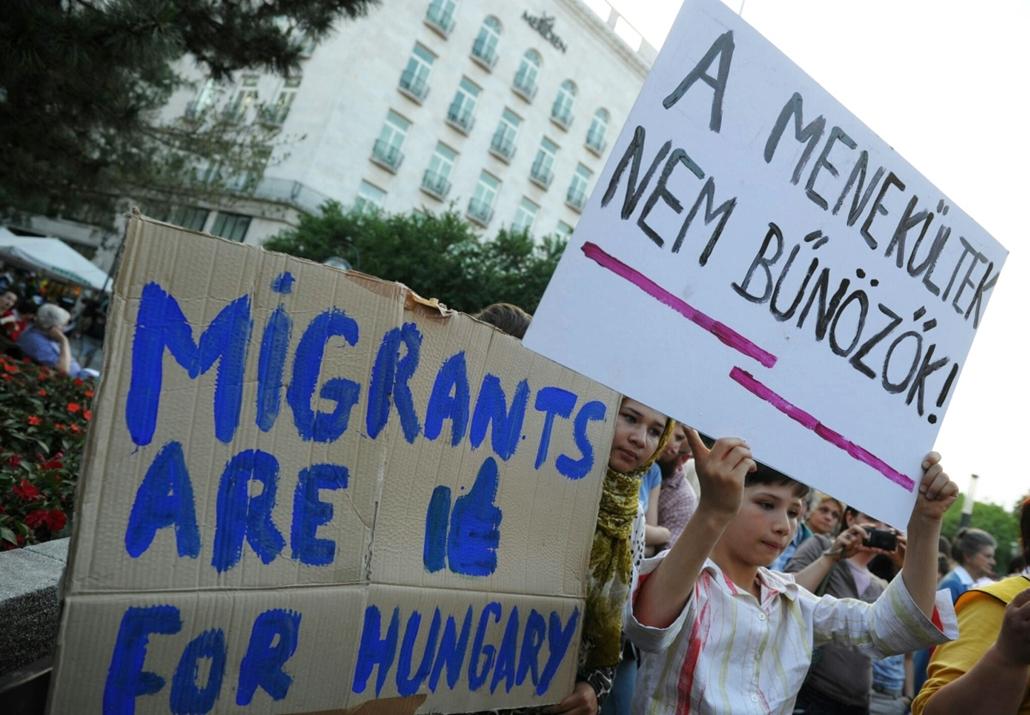 tg.15.05.19. - tüntetés a kormány bevándorláspolitikája ellen - tüntetés,Deák tér,demonstráció,bevándorláspolitika
