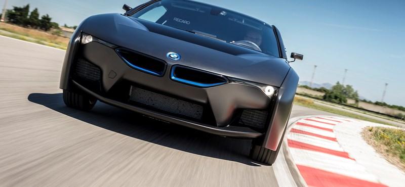 Tovább erősít a sci-fi vonalon a BMW az üzemanyagcellás autóival