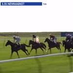 Ígéretes újonc nyerte meg az egyik leghíresebb brit lóversenyt