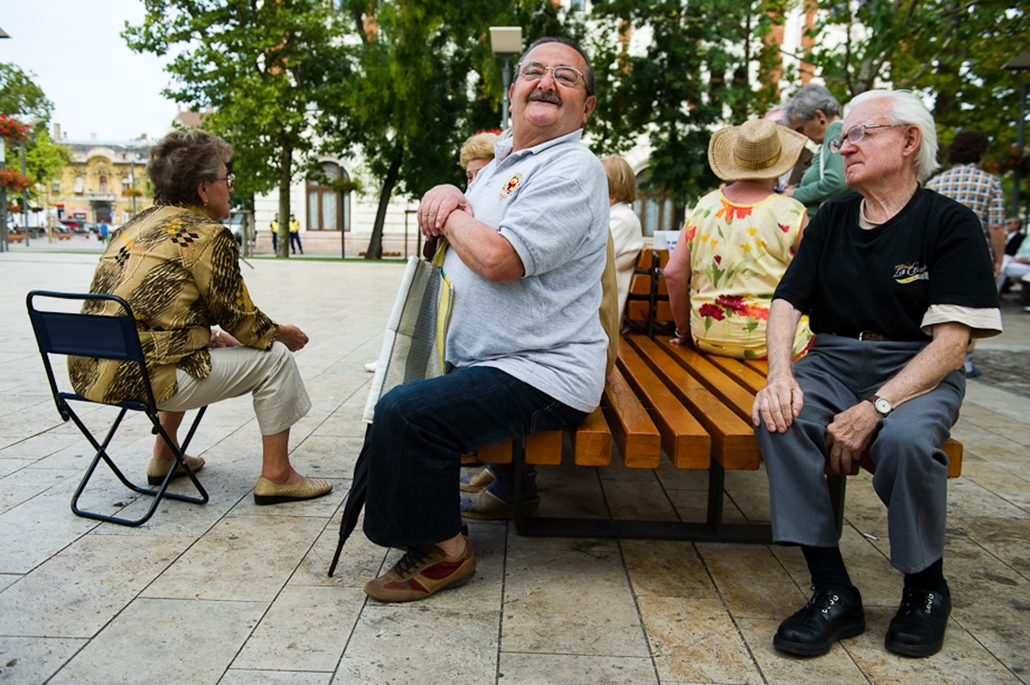 MSZP szimpatizánsok tűntettek Újpesten a 4. kerület önkormányzatának hitelfelvétele ellen