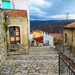 Az egyik legszebb olasz kisvárosban vehet házat 1 euróért