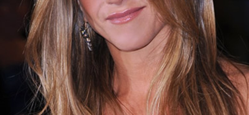 Luxus villát vett Jennifer Aniston