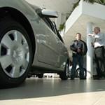Csalódás: a Tesla-kereskedésekben bánnak a legrosszabbul a vevőkkel