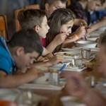 Az iskolákban nincs idő enni, a gyerekek azt sem tudják megvárni, amíg kihűl az étel