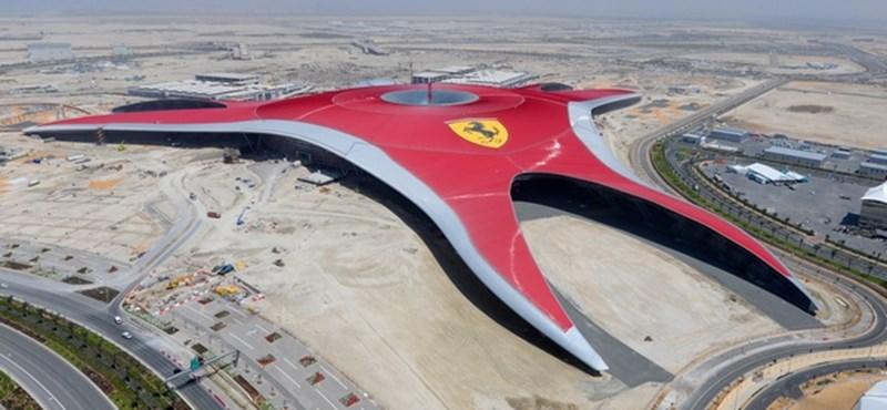 Száguldó élmények az első Ferrari parkban