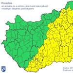 Özönvízszerű eső, viharok miatt adtak ki riasztást a fél országra - térkép