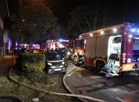 Kigyulladt egy családi ház a XV. kerületben, 3 embert mentettek ki a tűzoltók