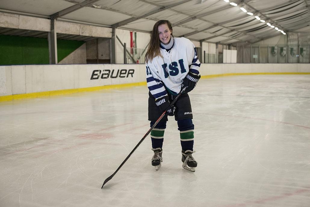 mti.16.03.07. - nemzetközi nőnap - Sőled Orsolya jégkorongozó