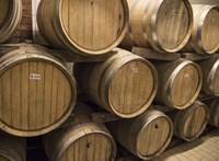 Közel kétmilliárd forintra pályázhatnak a magyar borászatok