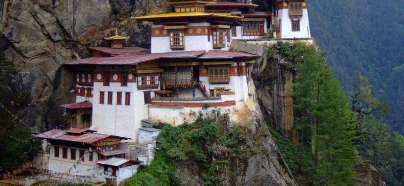 10 lenyűgöző kolostor