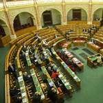 Nyelvvizsga nélkül is csúcsra járnak: politikusok bizonyítványai
