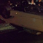 Ilyen, amikor tetőre borulva áll meg egy M3-as BMW – fotó