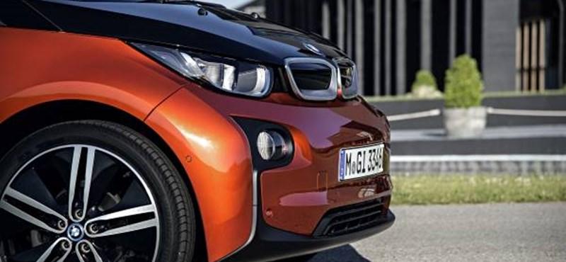 Hozzánk is megjöttek a BMW villanyautói – i3 teszt