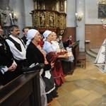 Petíciót küld Orbánnak a TASZ az egyháztörvény miatt