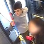 Pofozkodott a 33-as buszon, majd elszaladt, őt keresik a rendőrök – videó