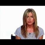 Videó: hogy került a porszívó Jennifer Aniston fenekébe?