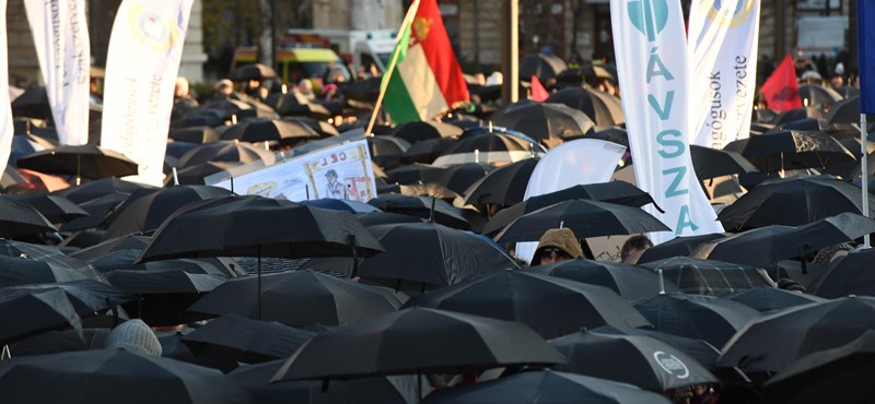 Tüntettek a tanárok, kihirdették a szakképzési törvényt, változtak az érettségi szabályai - a hét hírei