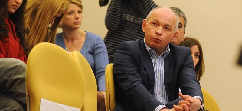 Draskovics: Már nem dolgozik a BKK-nál, aki hibázott a reptéri buszjegyekkel