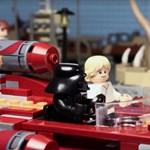Darth Vader mesét olvas – nagyot dobott a Lego