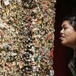 Levakarták a világ leghíresebb rágógumi falát