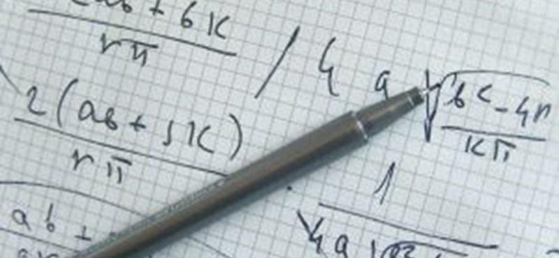 Két évvel tovább kellene matekot tanulni az iskolákban - hiányos a brit diákok tudása