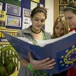 Kétszáz középiskolás utánozza az Európai Parlament működését