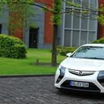 Év tesztautója: a döntő hajrájában toronymagasan vezet az Opel Ampera