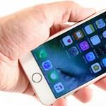 Ez érdekes: az egyik iPhone 7 modell jóval lassabb, mint a többi?