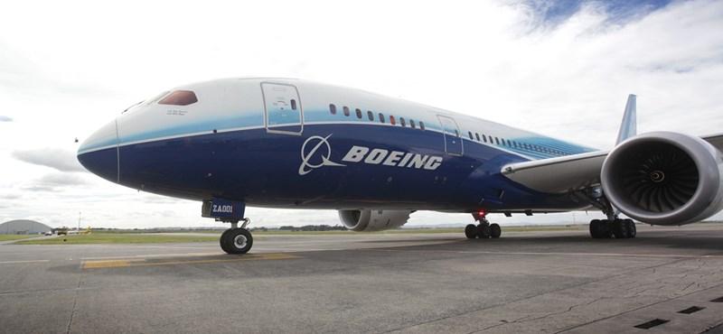 Houston, baj van: kényszerleszálláson egy újabb Dreamliner