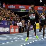 22 éves világrekordot döntött meg egy 19 éves atléta