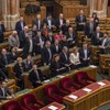 A Fidesz arra játszik, hogy az ellenzéki pártok felfalják egymást a választásig