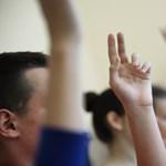Néhány héttel a tanév előtt piszkálja meg az állam a tanterveket