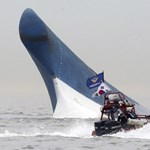 Parancsra hagyták ott a diákokkal süllyedő hajót a dél-koreai tengerészek?