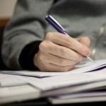 Becsapós helyesírási teszt: hogyan kell írni az összetett és többszörösen összetett szavakat?