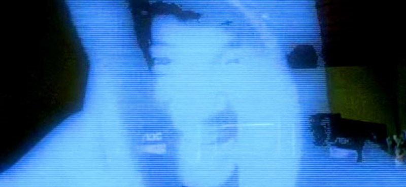 Különleges, hologramos mobil érkezik