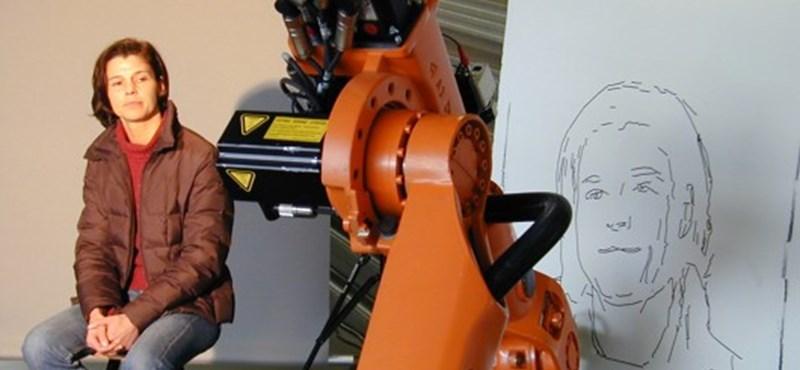 Meglepő: arcképet készít az ipari robot