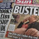 Durva botrányba keveredett egy prostikkal kokainozó brit képviselő