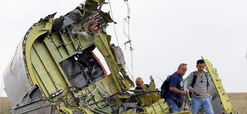 Itt a bizonyíték a lelőtt maláj gépről? Megrázó felvételeket tettek közzé